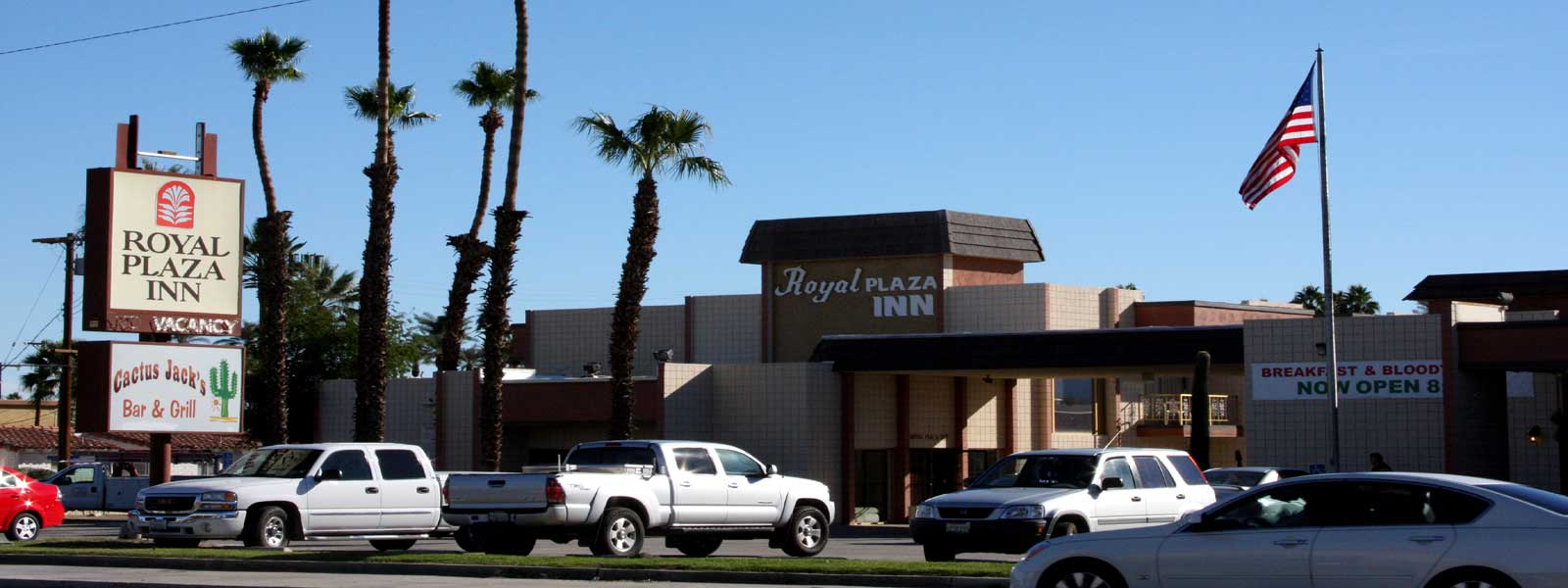Hotel Clean Comfortable Rooms Lodging Hotels Motels in Indio California